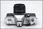 SC210967w.JPG Standard F and X Flash contacts. Hot shoe.