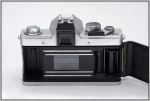 SC210969w.JPG Metal shutter running the short way from top to bottom, which allows short flash sync speed of 1/125. Shutter speed from 1 - 1/1000 and B. Quick-loading system allows up to 38 pictures per 36-film.